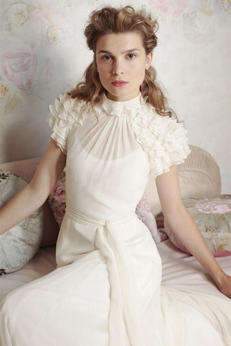 10 awesome wedding dress designers you might not know but should mia mia bridal via miamiabridal junglespirit Gallery
