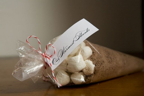 DIY Hot Cocoa Favors For A Winter Wedding (via ruffledblog)