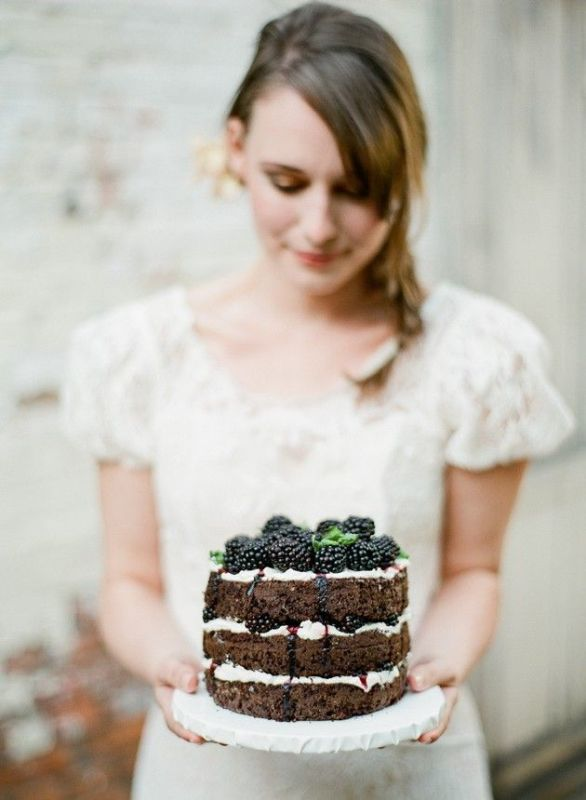 Picture Of tips for baking your own wedding cake  1