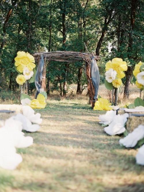 Fabulous Oversized Flower Wedding Decor Ideas