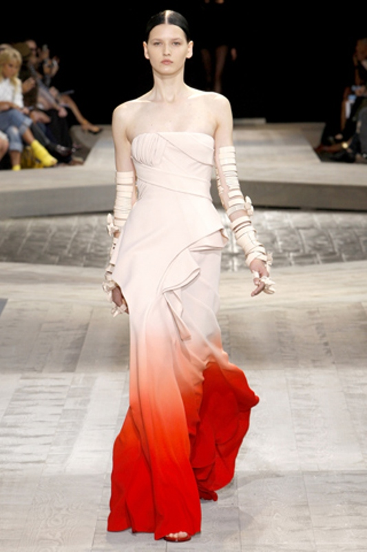 Picture Of Gorgeous Dip Dye Wedding Dresses To Get Inspired,Wedding Dress Patterns For Girls