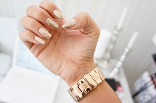 15 Shiny Glam Wedding Nail Ideas