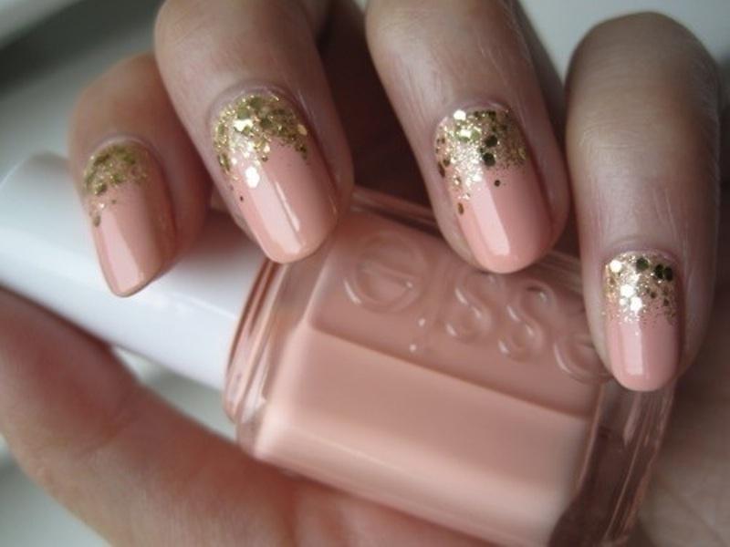 15 Shiny Glam Wedding Nail Ideas - Weddingomania