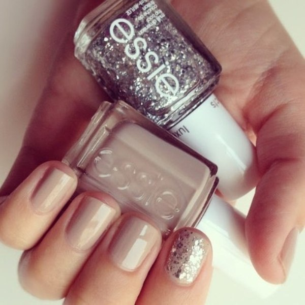 Shiny Glam Wedding Nail Ideas