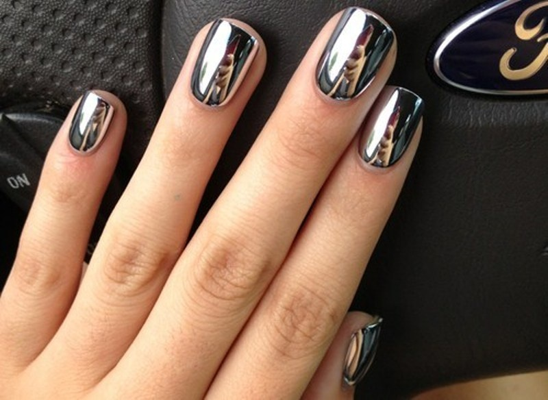 Picture Of Shiny Glam Wedding Nail Ideas