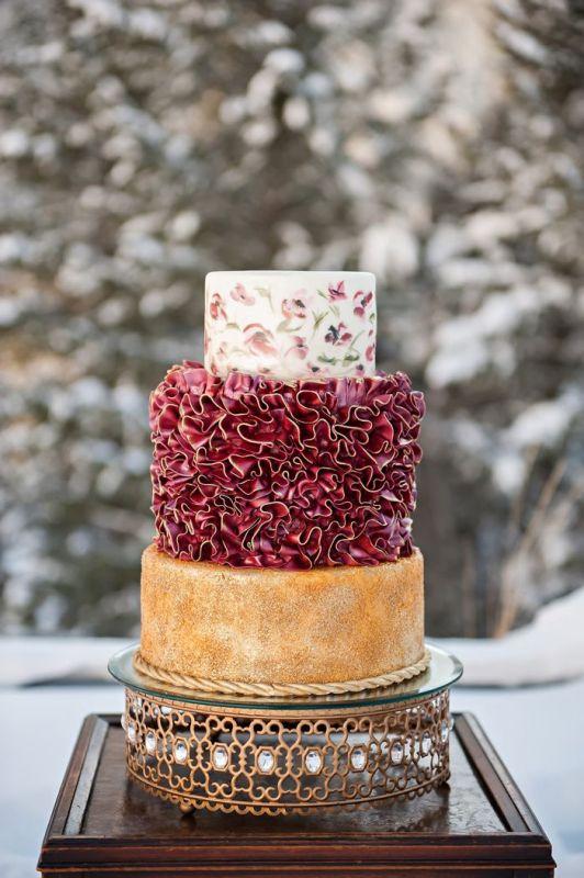 Picture Of stunning marsala wedding cake ideas  11