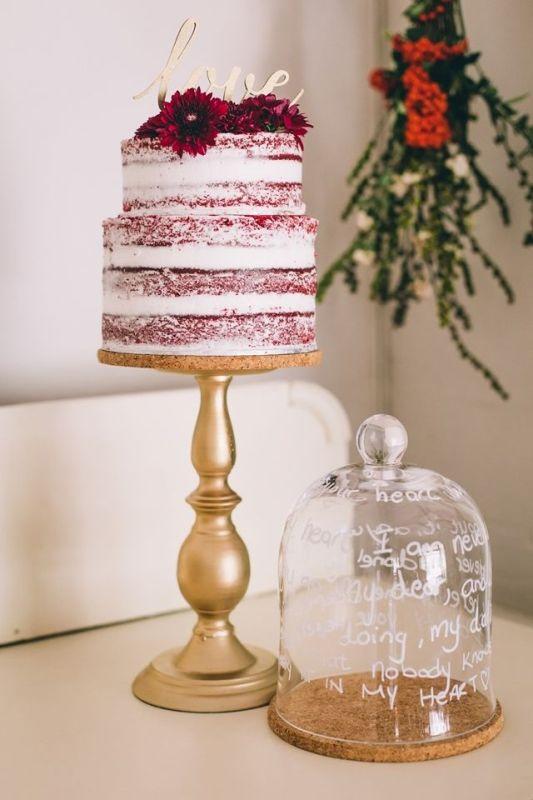 Picture Of stunning marsala wedding cake ideas  12