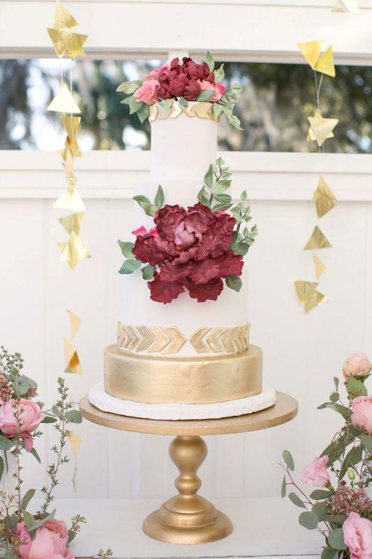 Picture Of stunning marsala wedding cake ideas  15