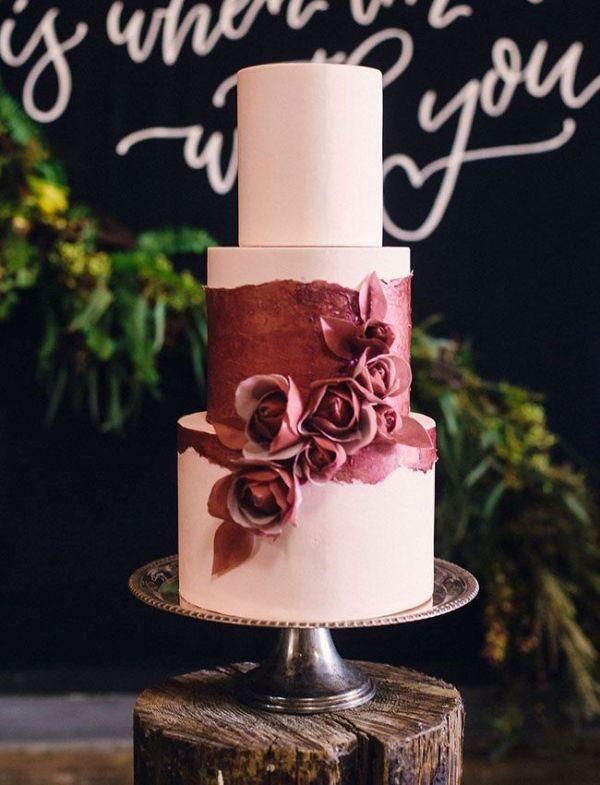 Picture Of stunning marsala wedding cake ideas  2