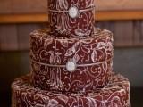 15-stunning-marsala-wedding-cake-ideas-3
