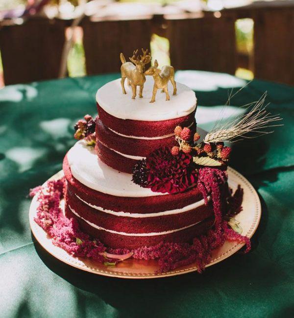 Picture Of stunning marsala wedding cake ideas  7