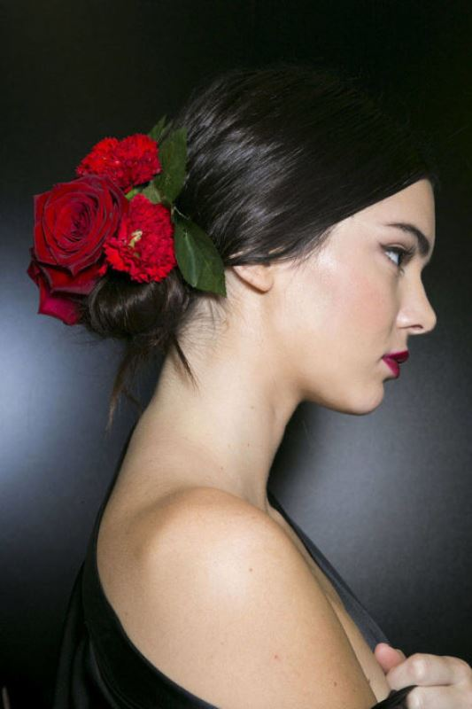 Picture Of summer wedding hairstyles to copy from the runway  13