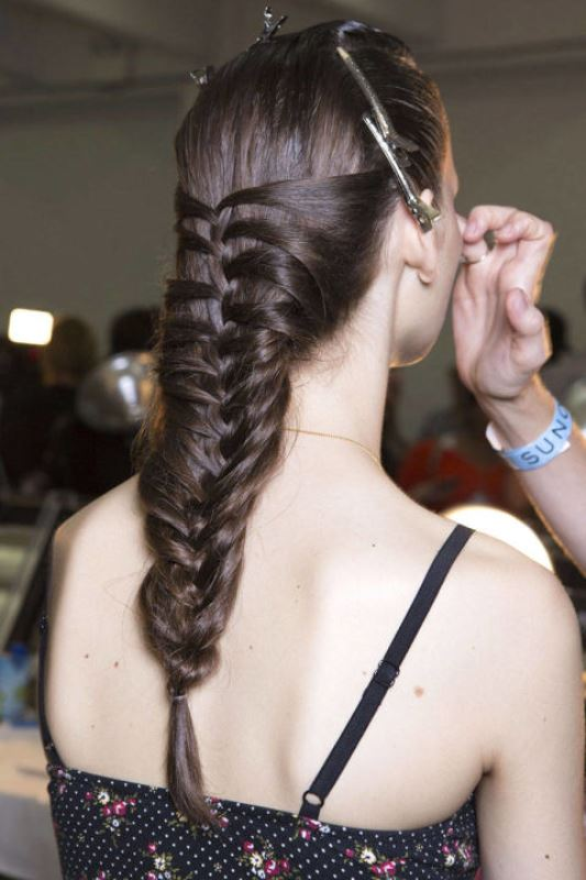Picture Of summer wedding hairstyles to copy from the runway  14