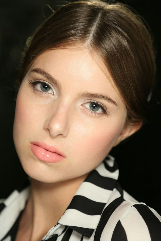 Picture Of prettiest spring wedding makeup ideas to get inspired  7