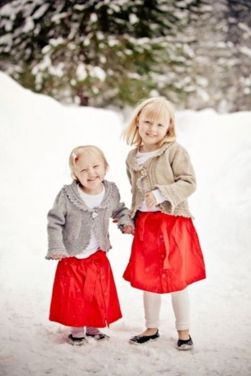 c554eb1f72bd 17 Pretty And Warm Winter Flower Girl Outfits - Weddingomania