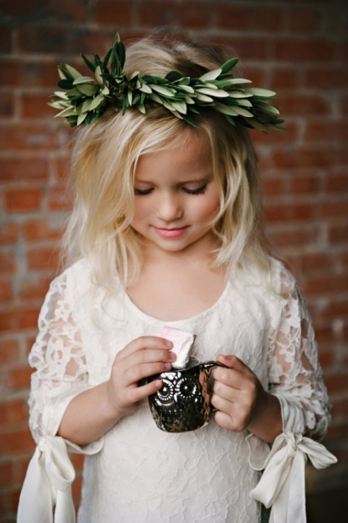 Pretty And Warm Winter Flower Girl Outfits