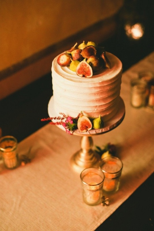 Stunning Wedding Cakes Topped With Fruits