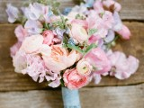 18-mixed-pastels-wedding-bouquets-1