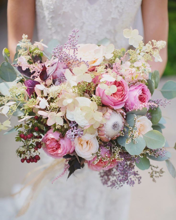 Picture Of mixed pastels wedding bouquets  16