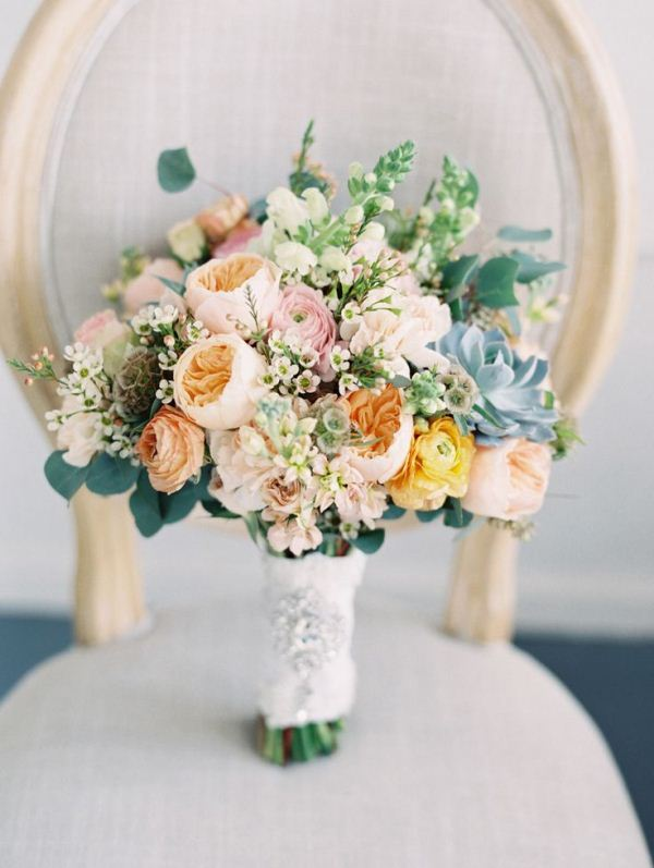 Picture Of mixed pastels wedding bouquets  2