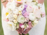 18-mixed-pastels-wedding-bouquets-3
