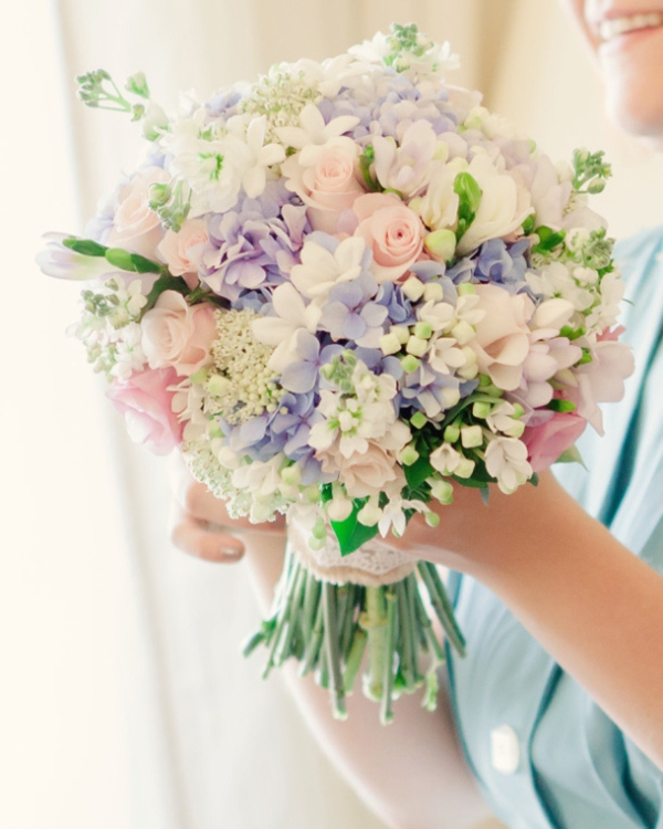 Picture Of mixed pastels wedding bouquets  7