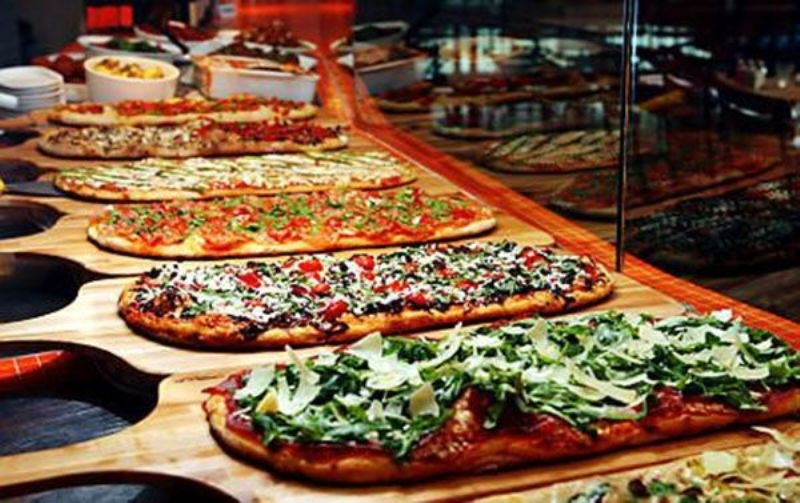 Picture Of Fun Ways To Organize A Pizza Food Bar At Your