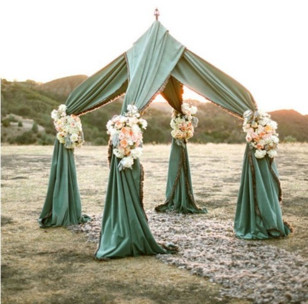 Outdoor Wedding Altars: Picture Of Alternative Wedding Altars