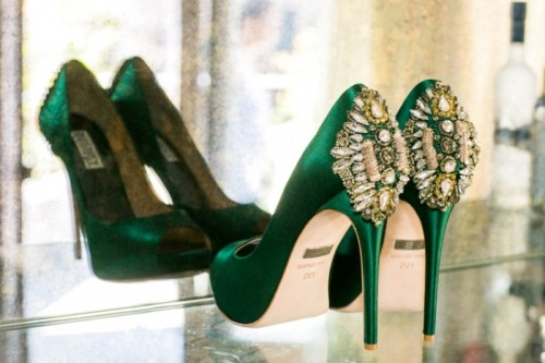 Fabulous Emerald And Gold Wedding Ideas