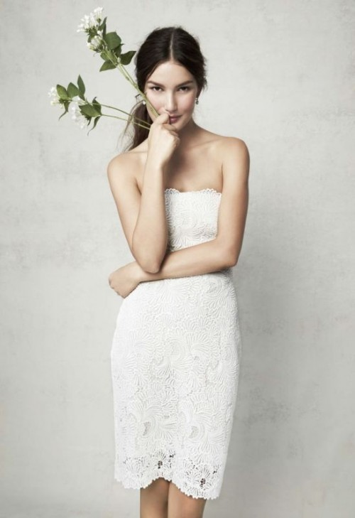 a strapless lace mini dress is a timeless idea for a modern romantic bride, for a wedding or a getaway