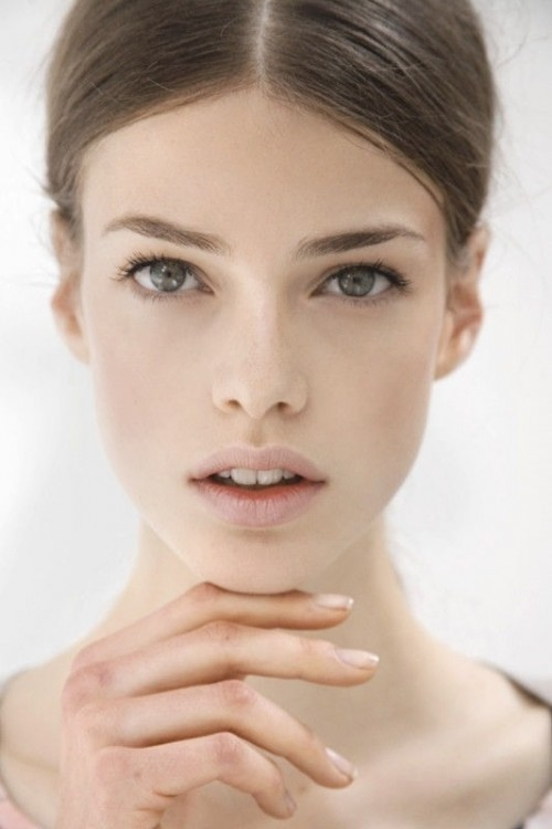 perfect #nude #makeup from http://www.fashionising.com