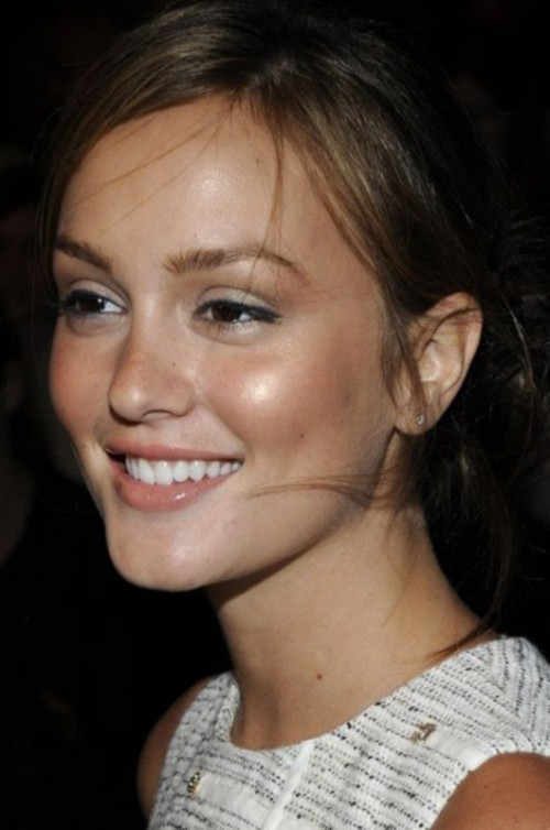Gorgeous Nude Makeup Ideas To Look Great On Your Wedding Day