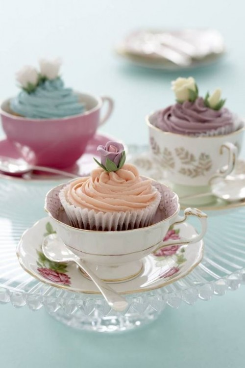 serve cupcakes in vintage tea cups for a vintage bridal shower party