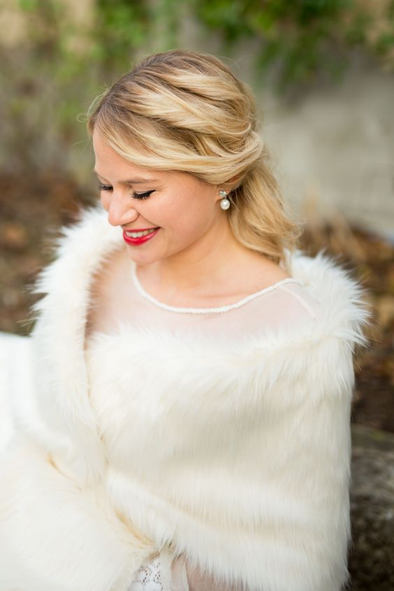 pearl earnings is a perfect accessory for a bride