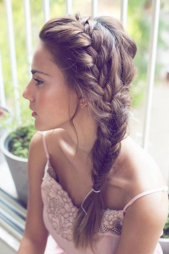 a French to fishtail side braid is a relaxed and casual hairstyle idea to go for