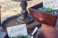 fresh herbs instead of confetti – let your guests choose the herb themselves to add an aroma to the wedding