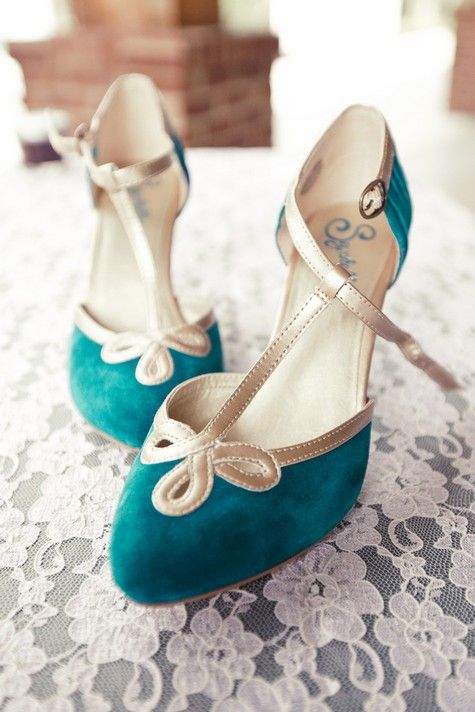 vintage bold blue wedding shoes with metallic straps will add a cool colorful touch and to your look
