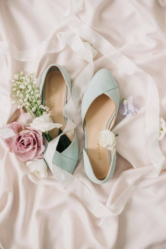 vintage-inspired mint wedding shoes with low heels are perfect for a vintage bride