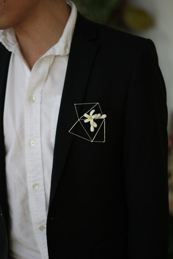 a himmeli brooch with a single bloom is a creative, ethereal and very cihc alternative to a usual wedding boutonniere