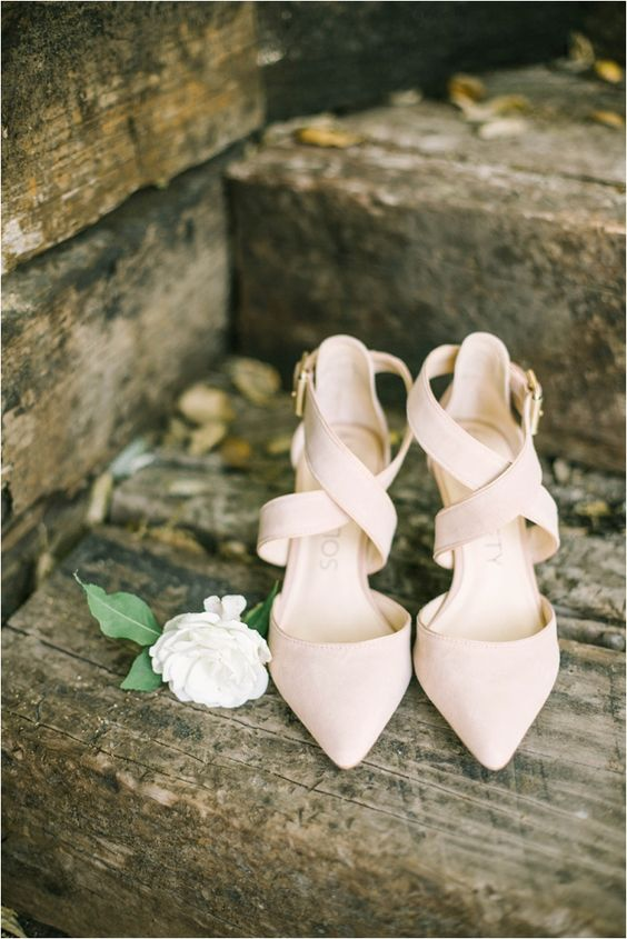 neutral criss cross strap wedding shoes will be a nice match to many summer bridal looks