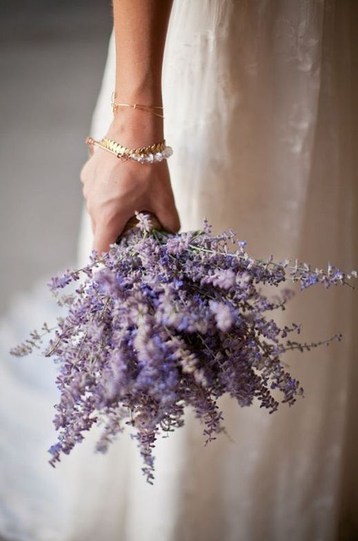 a lavender wedding bouquet is a timeless solution for a delicate and tender bride