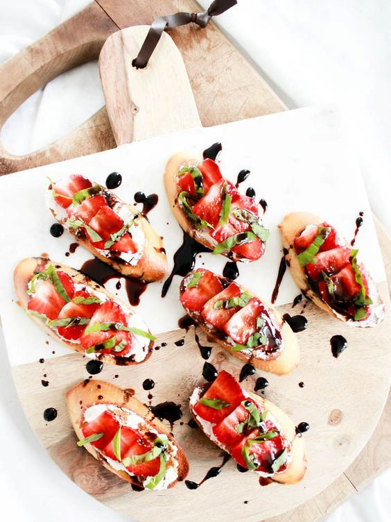 fresh strawberry goat cheese crostini with balsamic are a tasty and vegan-fitting appetizer