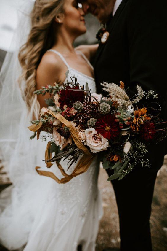 a boho wedding bouquet always works