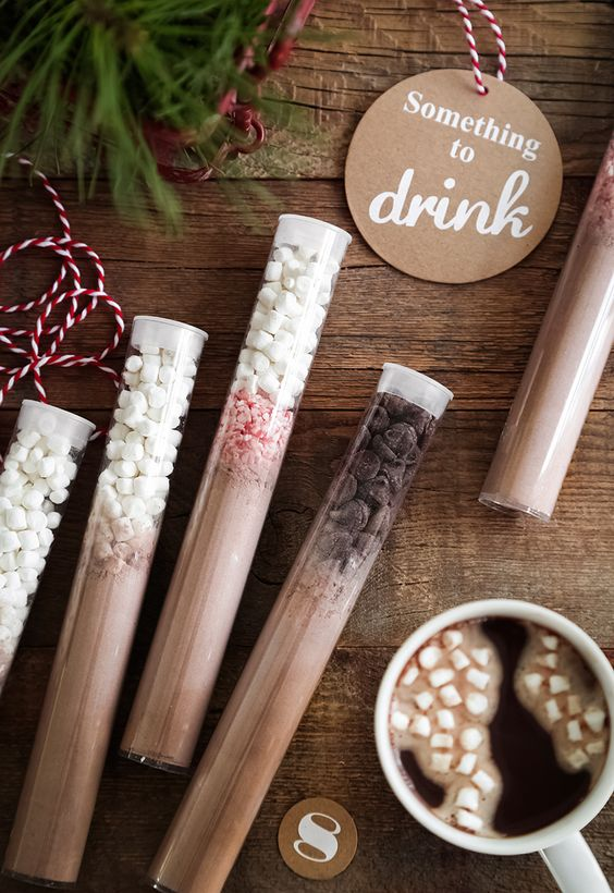 hot cocoa and hot chocolate mixes in test tubes are delicious wedding favors to rock and you may use them anytime