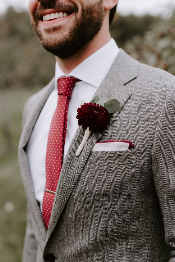 a cozy tweed suit for a winter groom