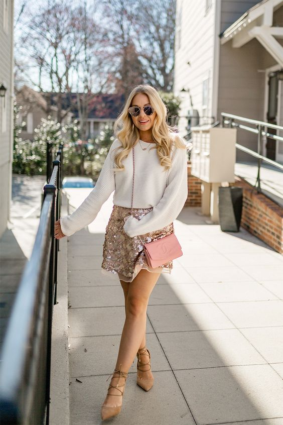 a blush sequin patterned A-line mini skirt is a romantic, girlish and cute idea for a party