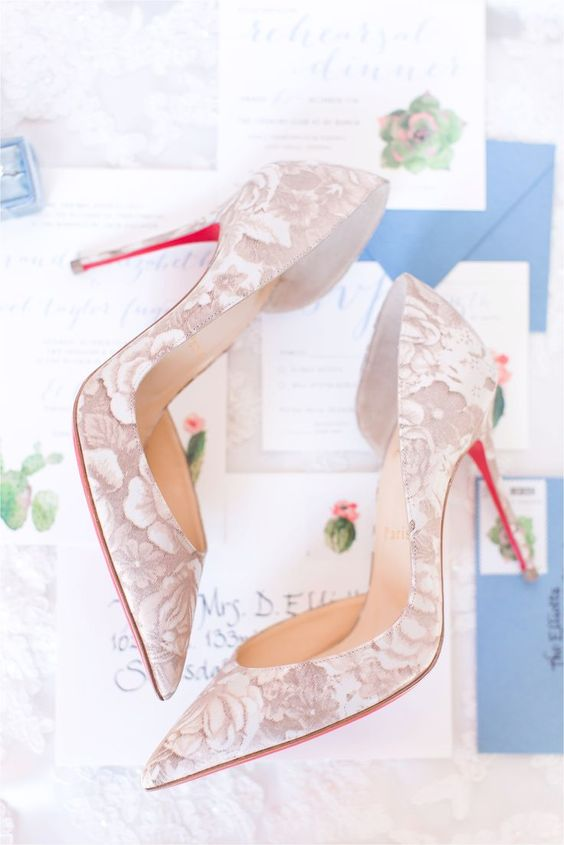 dusty pink and white floral print wedding shoes will make you feel like spring and blooms