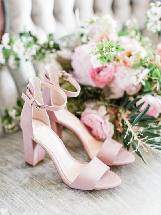 light pink wedding shoes with block heels are a very comfortable and stylish option for spring