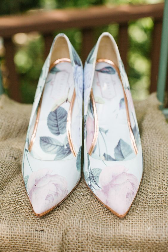 sweet pastel floral wedding shoes with copper lines look very girlish and very spring-like