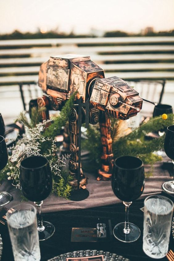 an epic Star Wars with greenery and billy balls is a fantastic decoration to rock